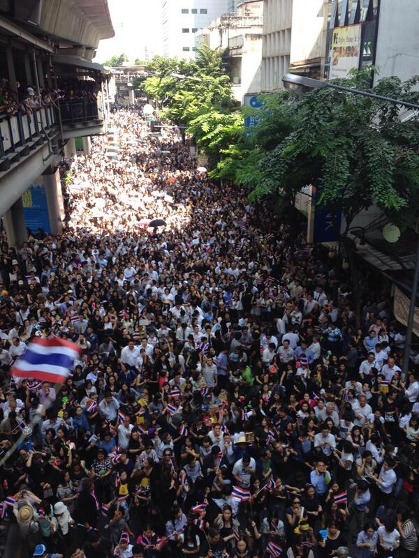 Protest on 4 November in Silom, picture from twitter user @noteBUJR